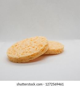 natural sponge leverage makeup and white background