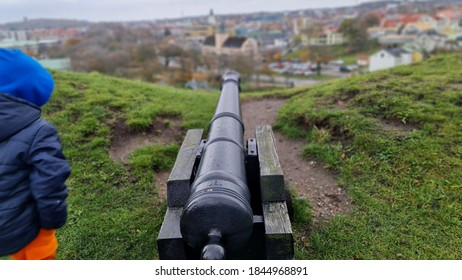 Naval artillery on top of Varbergs fortress