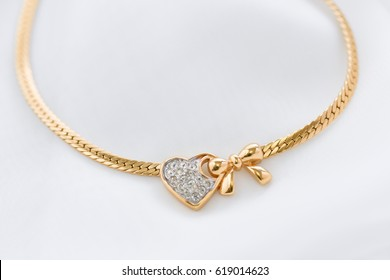 necklace of gold
