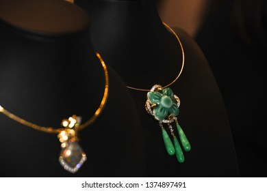 Necklace showing hanging.Is a luxurious accessory(As jewelry). Suitable for women.expensive and Valuable