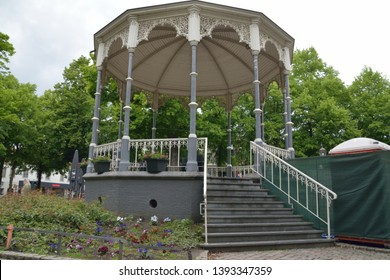 Bandstand Silhouette Images, Stock Photos & Vectors