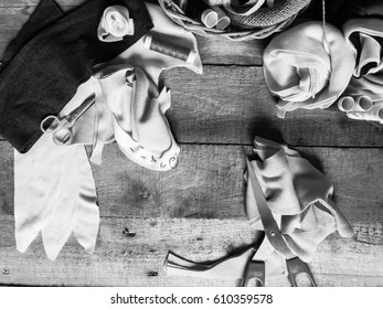 Needlecraft with sewing tools for leisure and relaxation black and white background wallpaper