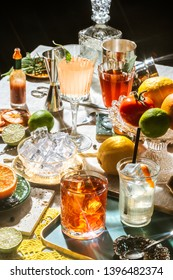 Negroni and other cocktails with gin