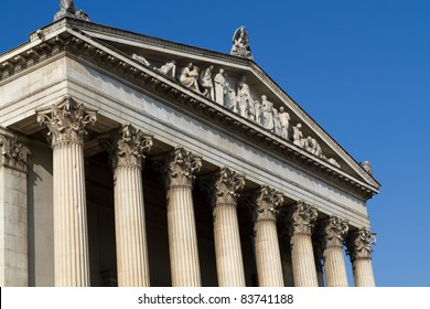 """Neoclassical building for the """"Staatliche Antikensammlung"""" collection in Munich, Germany"""