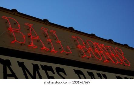 Neon Sign - Bail Bonds