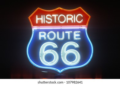 A neon sign that reads Route 66�