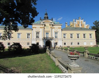 Neo-Renaissance chateau Svetla nad Sazavou with an access road - Shutterstock ID 1195272673