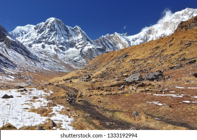 Nepal, Annapurna Conservation Area, Trek to Annapurna Base Camp in Nepal Himalaya.