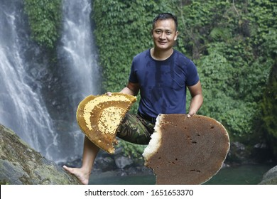 Nepali Guy After Wild Bee Huney Hunting at Myagdi Gandaki Zone Nepal in 6-21-2019