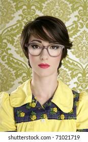 nerd woman retro portrait 70s wallpaper vintage housewife