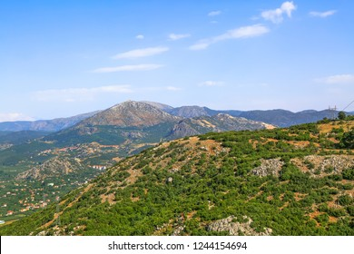 Nestled in the mountains only a few hours from the Mediterranean city of Antalya Egirdir offers amazing natural beauty. It's surrounded by mountains and that feature makes it very attractive.