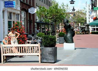 Netherlands, Helmond,-june 2016: Street scene in the shopping district