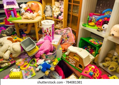 NETHERLANDS - LEIDEN - DECEMBER 23, 2017: Old toys in Bennie's Old Things store in in the center of Leiden in The Netherlands.