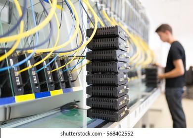 Networking hardware test bench