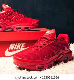 f006936ffc45 New beautiful colorful and nice Nike Air Max running shoes