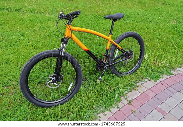 new-blackorange-mountain-bike-stands-600