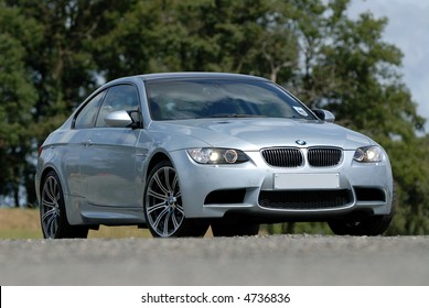 The New BMW M3 V8