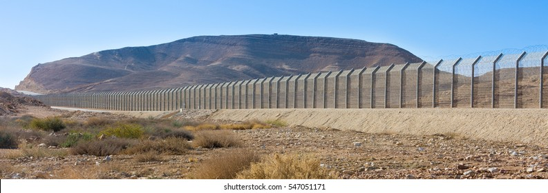 The new border fence between Israel (Negev Desert) and Egypt (Sinai Desert)