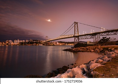 new bridge Hercilio Luz Florianopolis, Santa Catarina, Brazil, image made from the continent, showing the sunset.