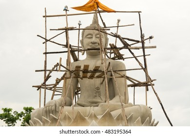 The new buddha and wooden scaffold