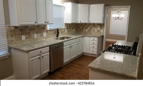 New Custom Kitchen with Granite Countertops