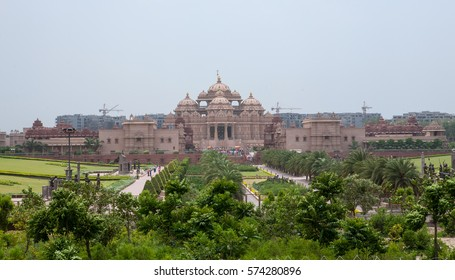 NEW DELHI, INDIA. 30 may 2009:  The grandest Hindu temple complex in the world – Akshardham.  New Delhi, India