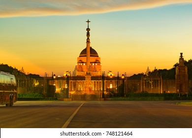 """NEW DELHI, INDIA - AUGUST 2018: The Rashtrapati Bhavan """"Presidential Residence"""" previously """"Viceroy's House"""" is the official home of the president located at the Western end of Rajpath in New Delhi."""