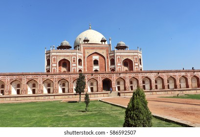 New Delhi, India - Feburary 24, 2017: Mughal Emperor Humayun tomb was commissioned by his wife Bega Begum in 1569-70, designed by Persian architect Mirak Mirza. Many Mughal rulers lie buried here.