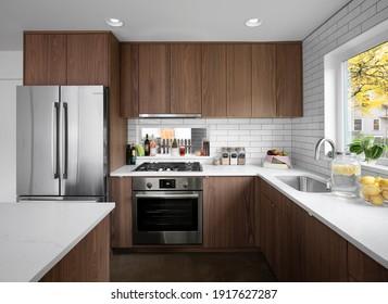 Neue, moderne Küchengeräte für rostfreien Stahl