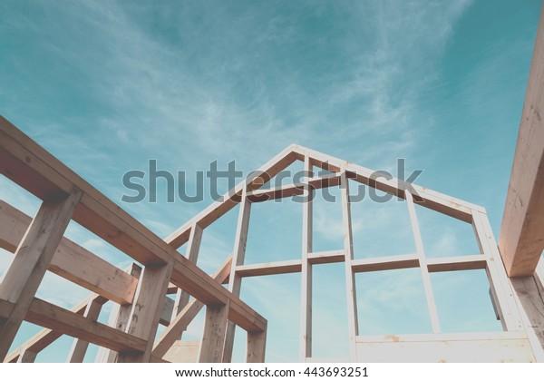 Neubau-Interieur mit sichtbarem Rahmen, fotografierfiltrierter Instagram