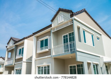 Housing estate imgenes fotos y vectores de stock shutterstock new house for sale malvernweather Image collections