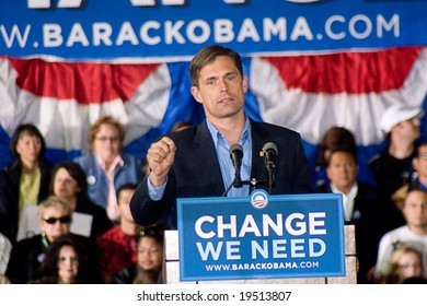 NEW MEXICO - OCTOBER 25: Democratic congressional candidate Martin Heinrich speaks at a Barack Obama presidential rally at the University of New Mexico on October 25, 2008 in Albuquerque, New Mexico.