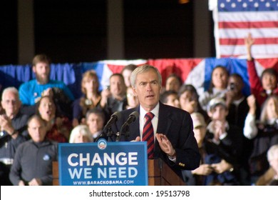 NEW MEXICO - OCTOBER 25: Senator Jeff Bingaman (D-NM) speaks at a Barack Obama presidential campaign rally at the University of New Mexico on October 25, 2008 in Albuquerque, New Mexico.