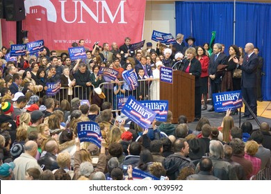 New Mexico's Lt Governor Diane Denish introducing Bill Clinton at a campaign rally for Hillary Clinton. 2008.