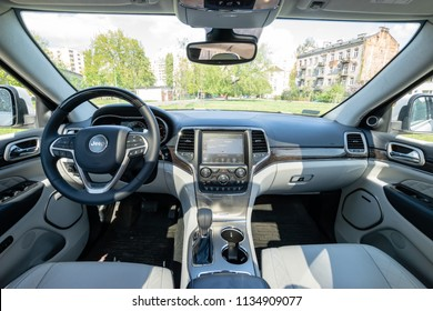 The new model Jeep grand cherokee, model year 2018, cockpit and interior details of the vehicle