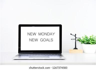 NEW MONDAY NEW GOALS Concept