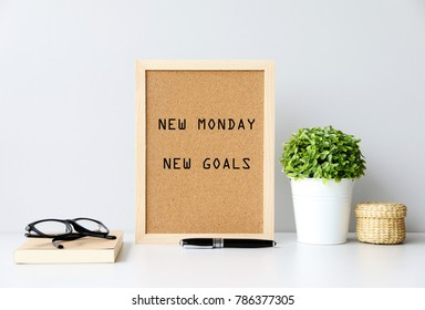 NEW MONDAY NEW GOALS Concept
