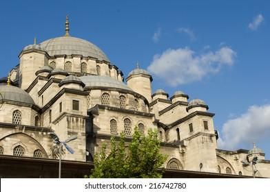 New Mosque (Yeni Cami), Eminonu district, Istanbul, Turkey