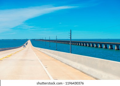 New and Old 7 Mile Bridges in the Florida Keys, Florida, USA. The new one on the left is for vehicular traffic, the old one on the right is open for pedestrians and cyclists only.