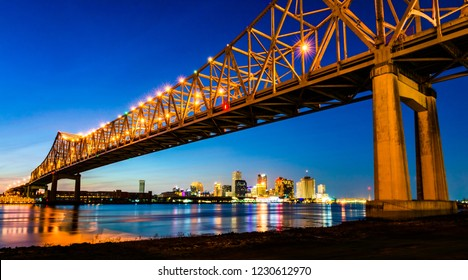 New Orleans, LA: Crescent City Connection (Greater New Orleans Bridge), cantilever bridge carrying Highway 90 Business over Mississippi River, 5th longest cantilever bridge in the world, built in 1958