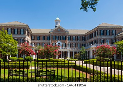 NEW ORLEANS, LA/USA –JUNE 13, 2019: Academy of the Sacred Heart is a Catholic girls school established in 1867. It employs over 180 faculty and administration members with enrollment at 760 students.
