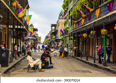 NEW ORLEANS, LOUISIANA USA- FEB 2 2016: An unidentified  local jazz band performs  in the New Orleans French Quarter, to the delight of visitors and music lovers  in town.