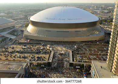 New Orleans, Louisiana, USA - October 26, 2014: Afternoon before Sunday Night NFL game between Green Bay Packers vs. New Orleans Saints, the Superdome was filled with the fans long before the game.