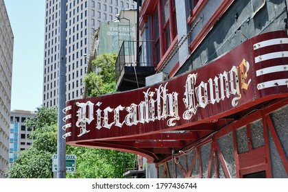 New Orleans, Louisiana/USA - 7/12/2014: Sign for Lenny's Piccadilly Lounge in the Central Business District