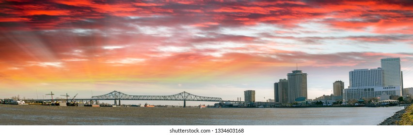 New Orleans sunset on the Mississippi River.