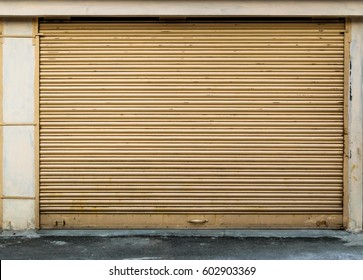 New painted Shop waiting for inauguration with closed shutter