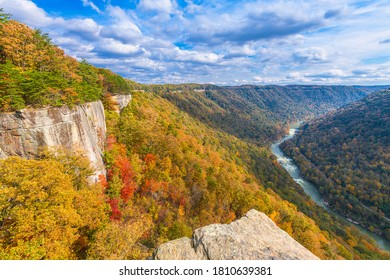 New River Gorge, West Virginia, USA autumn landscape at the Endless Wall.