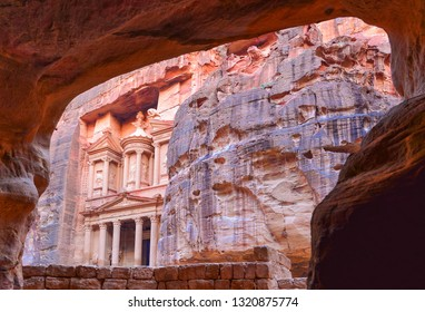 The new seven wonders of the world, Indiana Jones and the last Crusade, Ancient temple in Petra, Lost City, Jordan