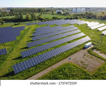 Neue Solarpaneele im Fotovoltaik-Kraftwerk Danzig, Polen