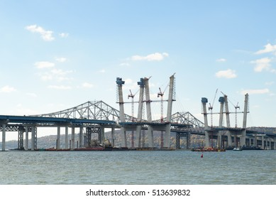 The new Tappan Zee Bridge under construction on November 5, 2016 in Tarrytown, New York, Westchester County, USA.